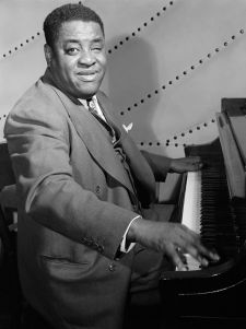 Art Tatum a repris un air du Largo de la symphonie du Nouveau Monde, comme la 7ème Humoresque de Dvorak (photo de William Gottlieb, 1946)